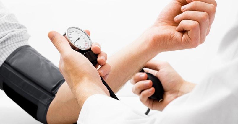 midiendo la presion arterial